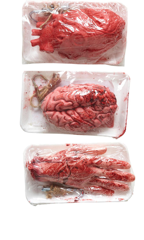 3 er Set Blutige abgehackte Menschen Hand, Gehirn, Herz Halloween Deko